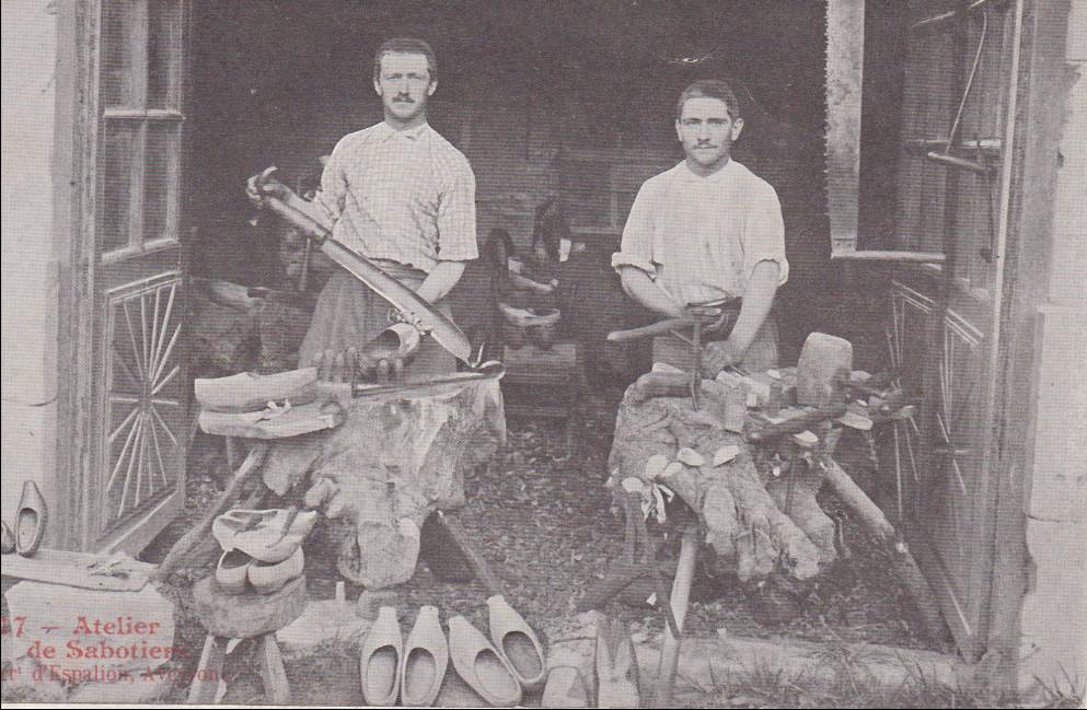 carte postale ancienne sabotiers